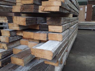 Antieke balken antieke bouwmaterialen specialist in hout natuursteen en antieke bouwmaterialen - Verf balken ...